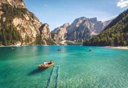 Tres estudiantes desarrollan un programa el cual te permite ver tus vacaciones antes de disfrutarlas